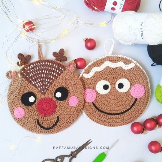 Gingerbread Man and Reindeer Christmas Potholders - Free Crochet Patterns - Raffamusa Designs