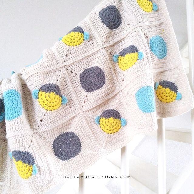Bee Granny Square Blanket - Raffamusa Designs
