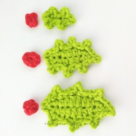 Christmas Holly Leaf and Berry Appliques - Free Crochet Pattern - Raffamusa Designs