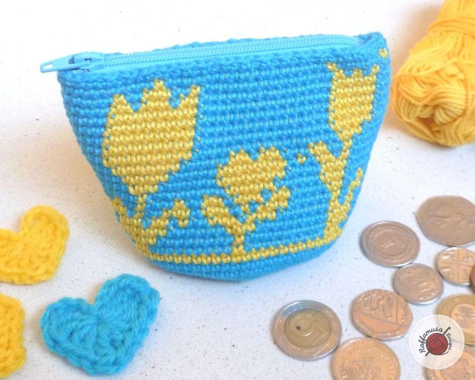 Crochet Flowery Coin Purse - Free Tapestry Crochet Pattern