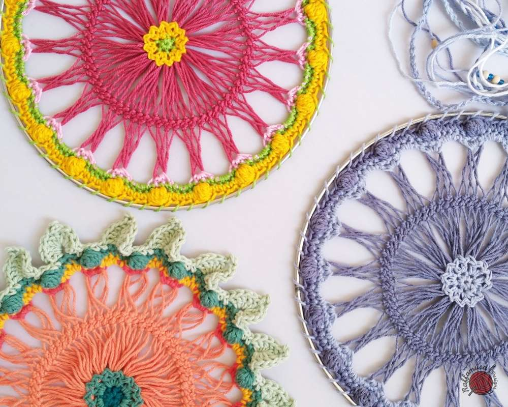Crochet Hairpin Lace Dreamcatcher - Free Pattern and Tutorial - RaffamusaDesigns