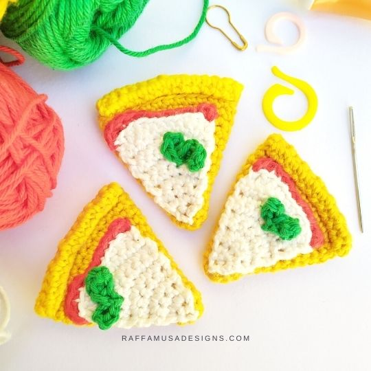 Crochet Pizza Slice Amigurumi - Raffamusa Designs