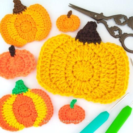 Crochet Pumpkin Appliques in different sizes and yarn weight - Raffamusa Designs