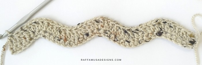 The beginning of the crochet simple ripple scarf.