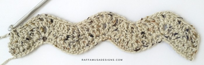 The first three rows of the crochet simple ripple scarf.