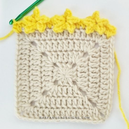 Little Stars Border Edging - Free Crochet Pattern - Raffamusa Designs