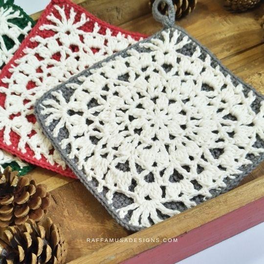 Details of the Falling Petals Potholder - Free Crochet Pattern - Raffamusa Designs