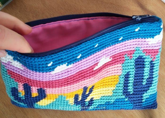 Crochet Desert Cacti Zipper Pouch - Raffamusa Designs