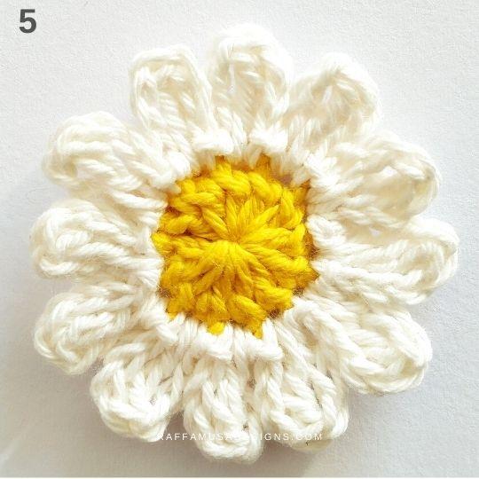 Crochet Daisy - Raffamusa Designs