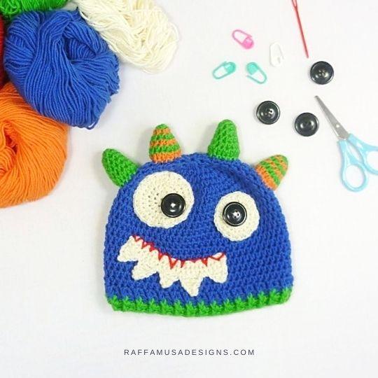 Halloween Monster Beanie for 3-6 Month-old Baby - Free Crochet Pattern - Raffamusa Designs