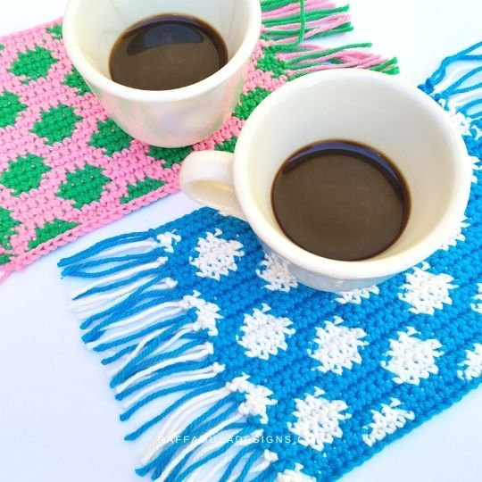 Polka Dot Mug Rugs - Free Tapestry Crochet Pattern - Raffamusa Designs