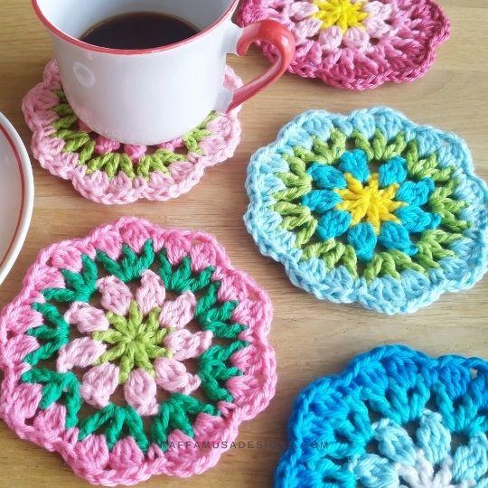 Crochet Rounds of Flowers Coasters - Free Crochet Pattern - Raffamusa Designs