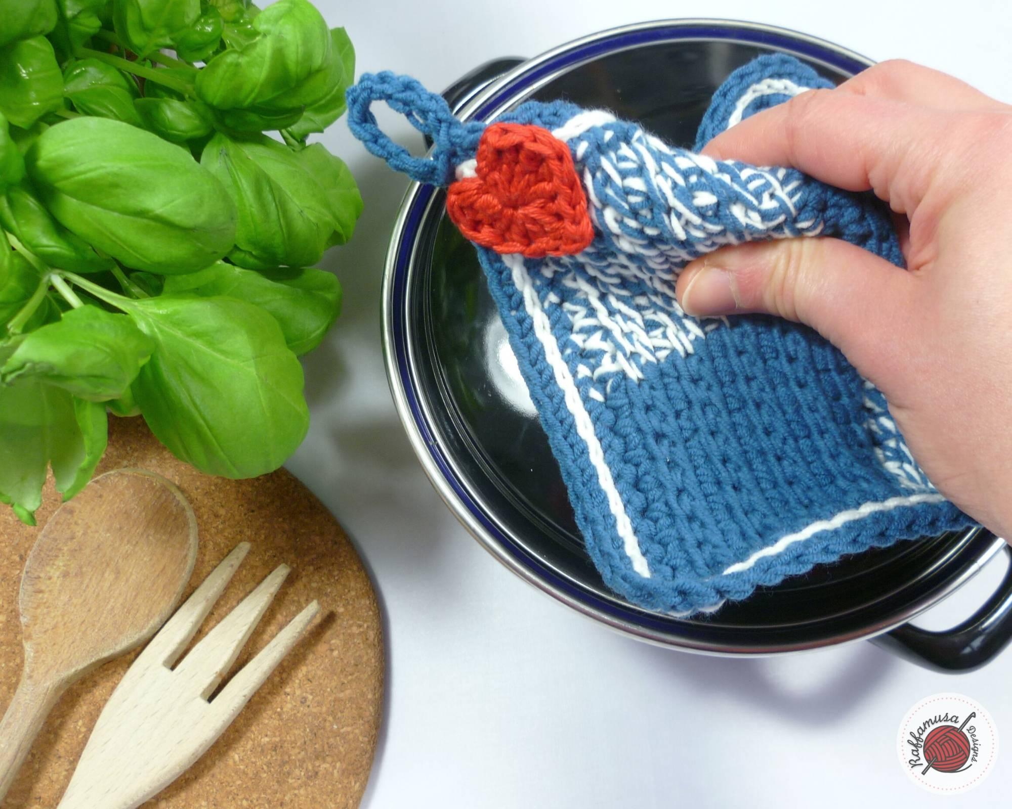 Easy Tunisian Crochet Cottage Potholder - Free Pattern by RaffamusaDesigns