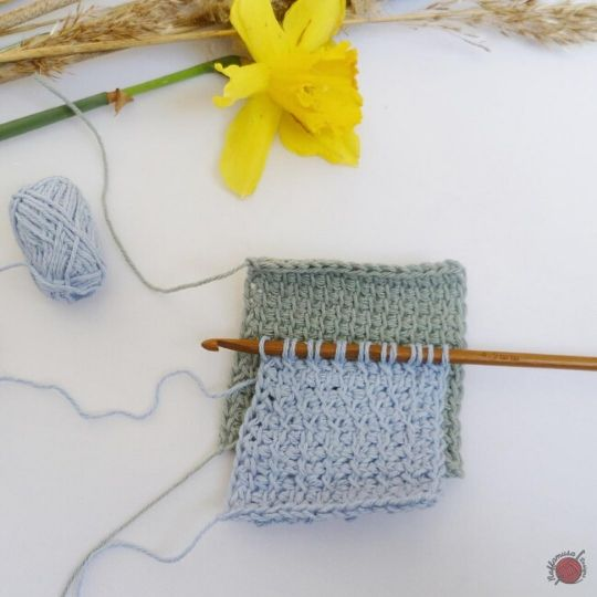 Comparison of a swatch of Tunisian simple stitch and a swatch of Tunisian cross stitch.