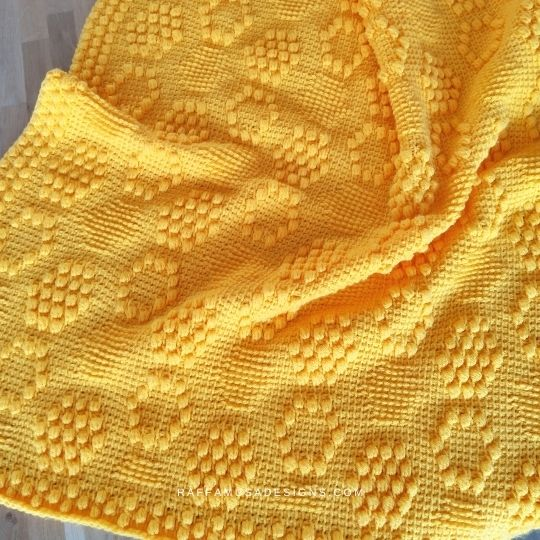 Tunisian crochet Beehive Baby Blanket - Honeycomb Texture - Free Pattern - Raffamusa Designs