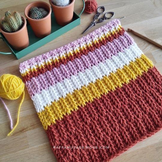 Tunisian crochet Offset Saloniki Stitch - Free Pattern - Raffamusa Designs