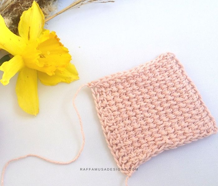 Tunisian Crochet Reverse Stitch - Free Tutorial - Step 4 and 5 -Raffamusa Designs