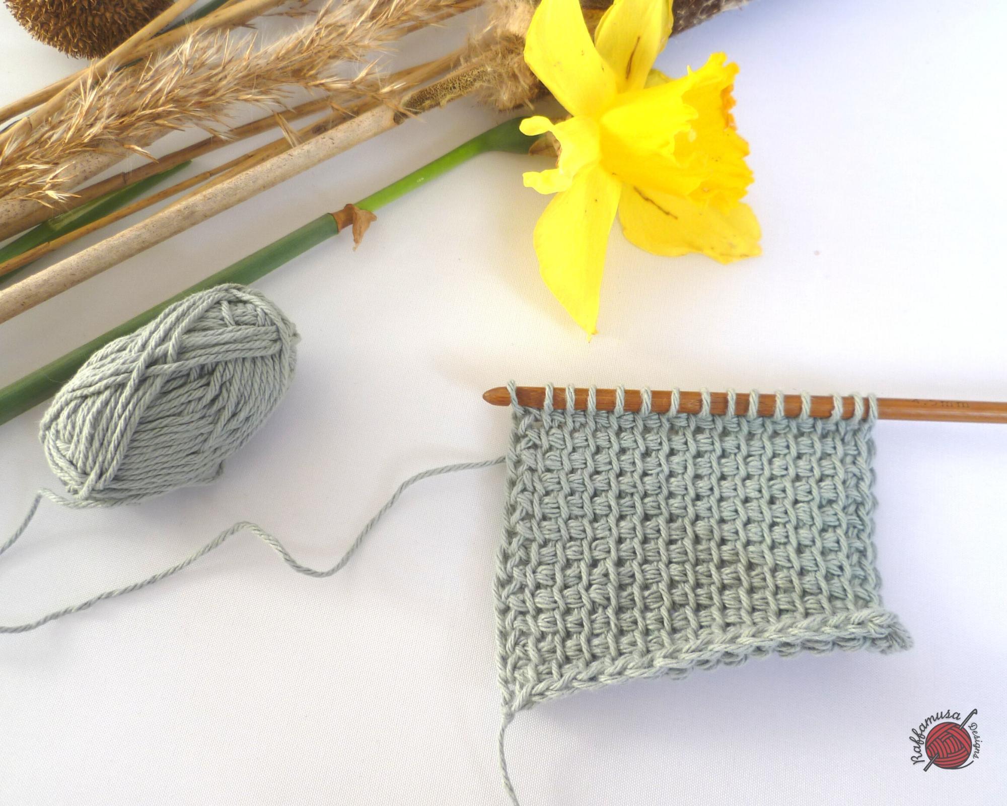 Tunisian Crochet Simple Stitch - Free Tutorial by RaffamusaDesigns