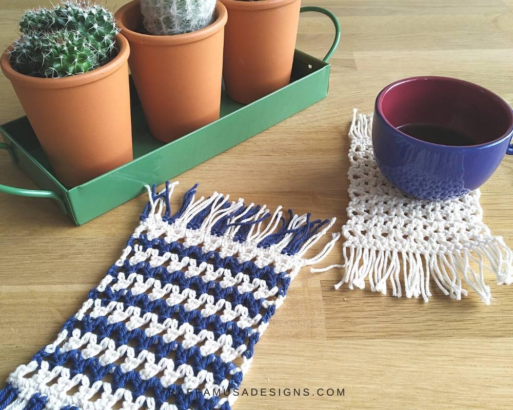 Free V-Stitch Tutorial And Mug Rug Pattern - RaffamusaDesigns