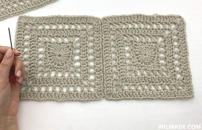 Invisible seaming to join crochet pieces